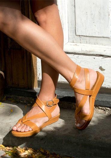 pantofii tai